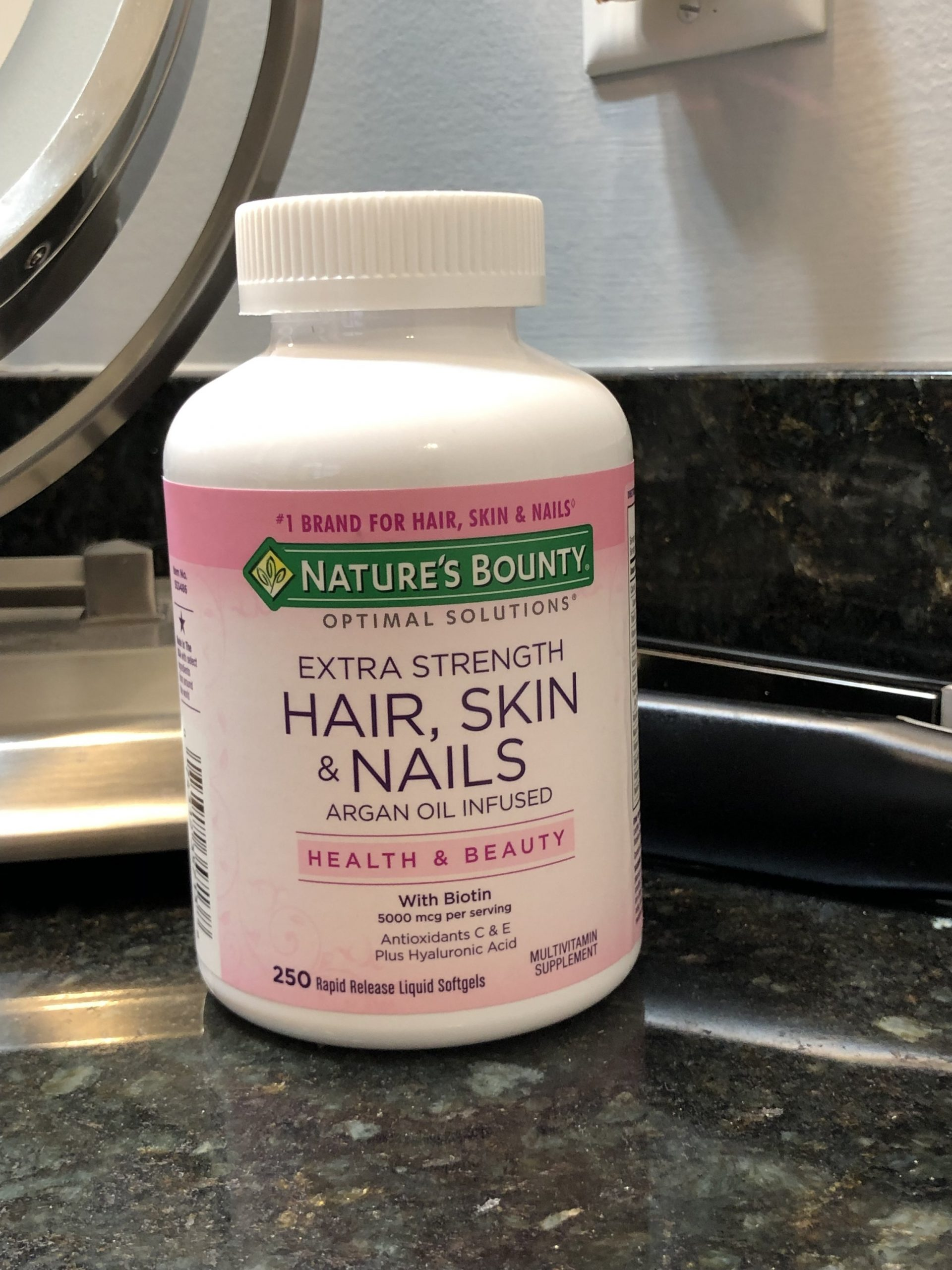 Review of 2 Popular Hair Growth Supplements