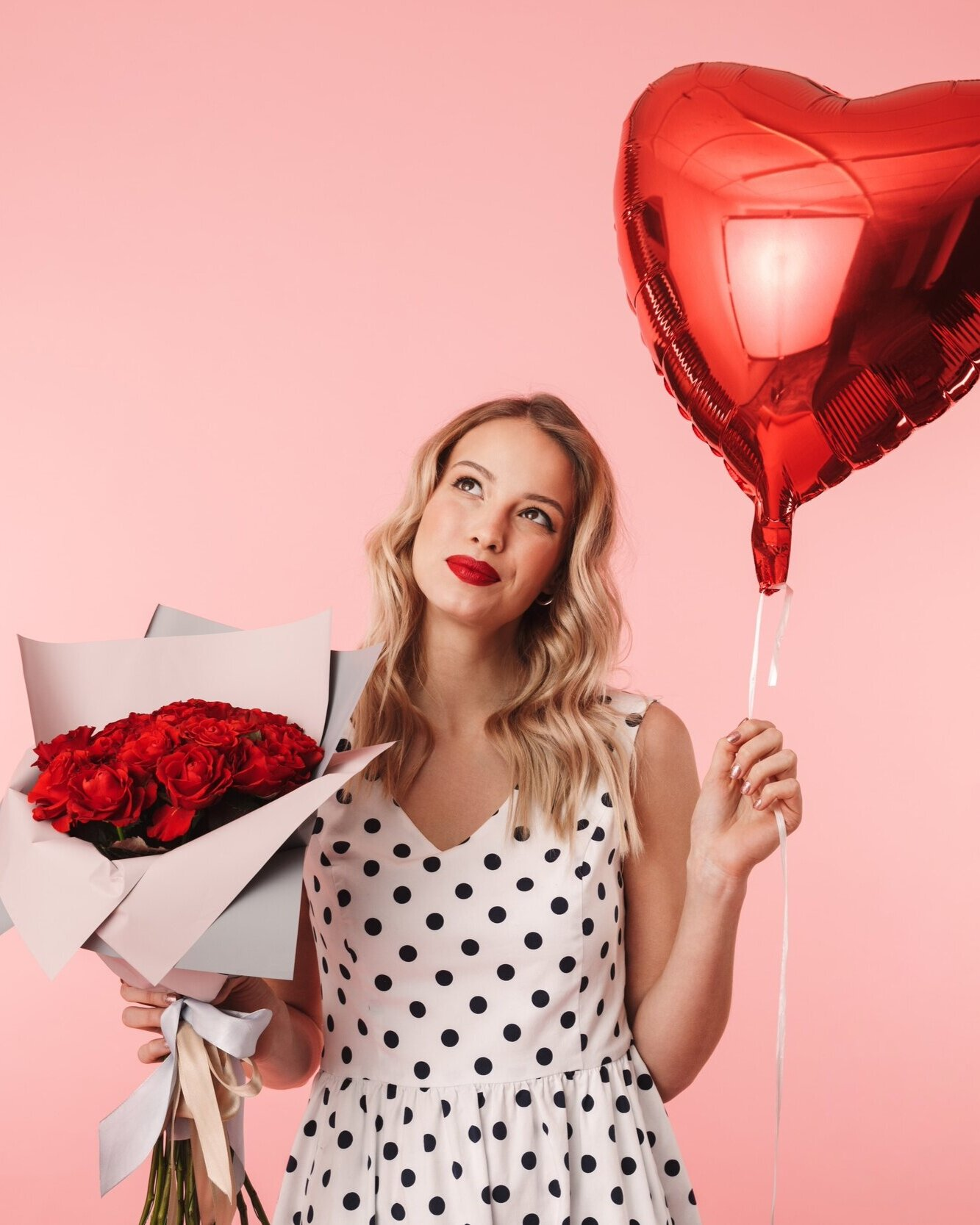 Read more about the article 18 Phenomenal Gifts for Her Best Valentine's Day Yet