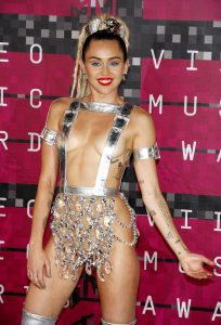 Miley Cyrus Inverted Triangle Body Shape